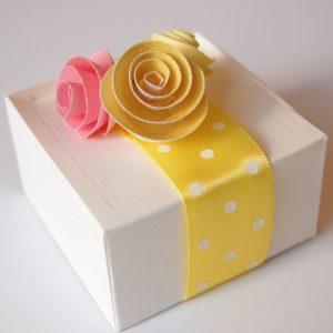 Paper Rose Favor Boxes: The DIY Tutorial