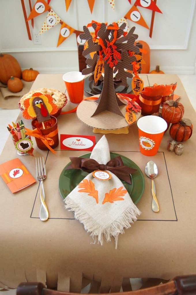 Thanksgiving table ideas setting