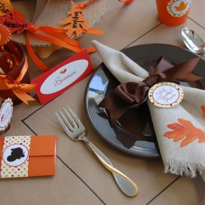 {Tutorial} Painted Leaves Thanksgiving Napkins