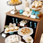 {Recipes} Joyeux Noel Dessert Table