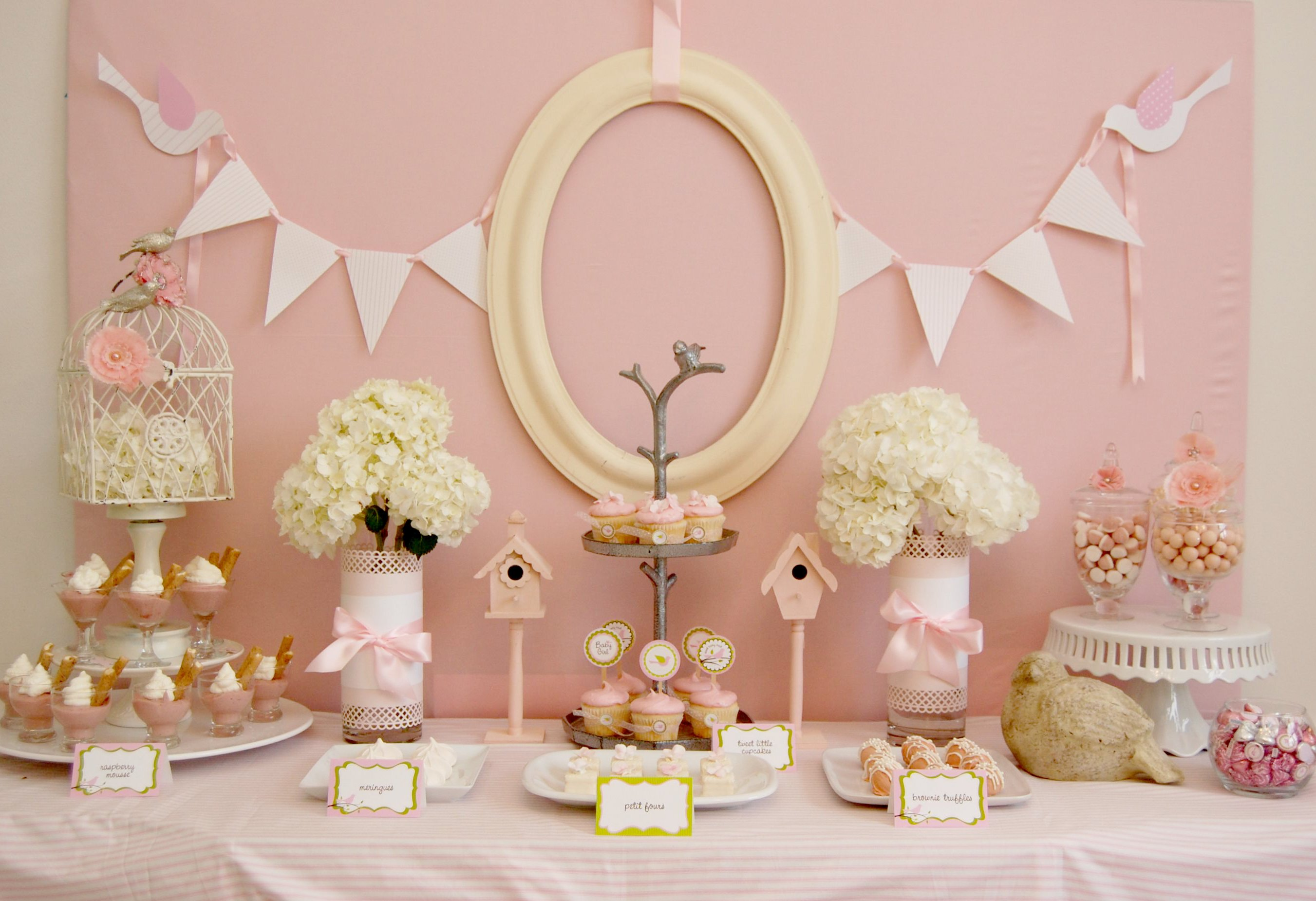 Cute baby shower table ideas photograph baby shower food i for Baby shower party decoration ideas