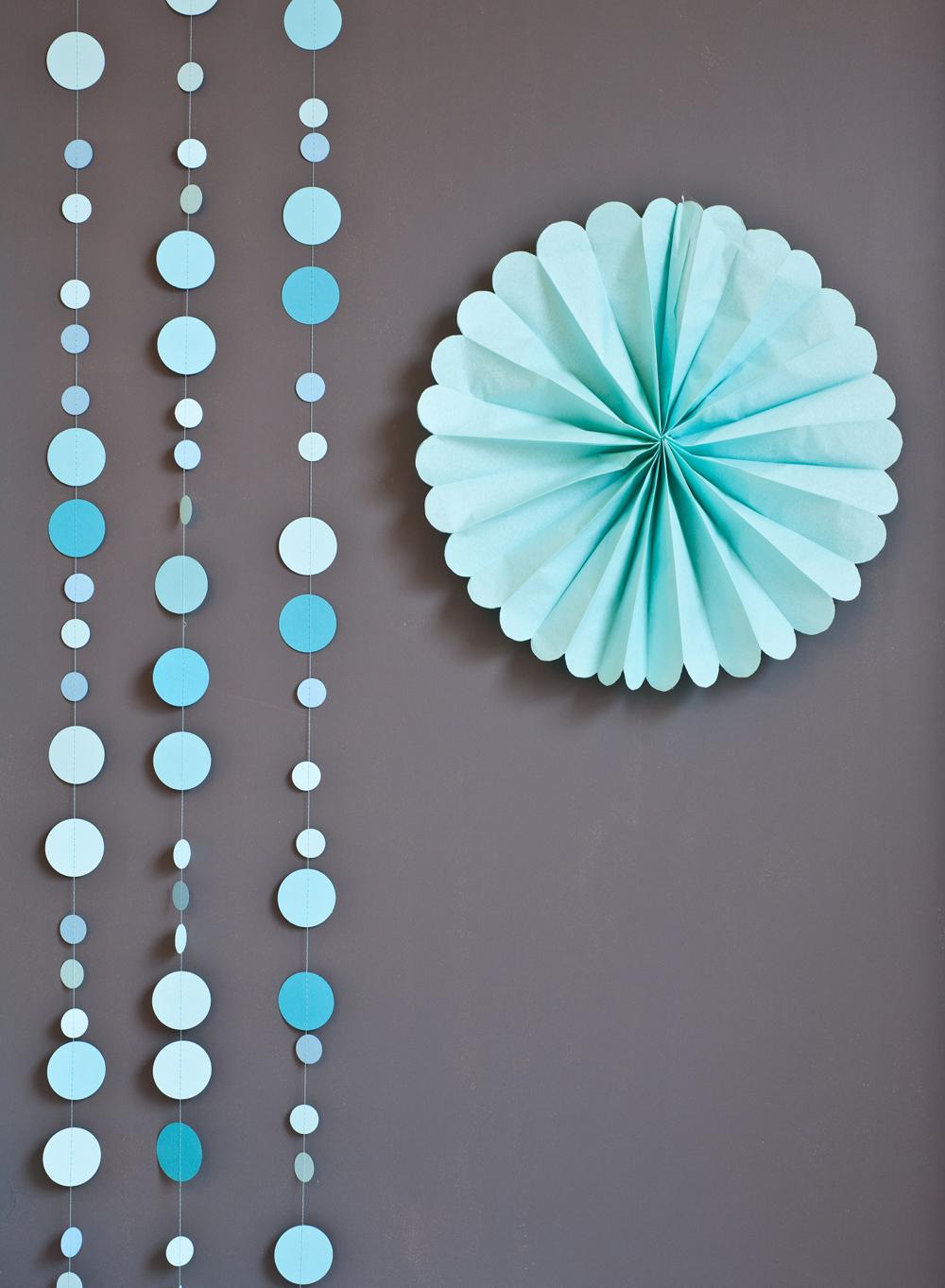 Декоративные украшения из бумаги своими руками