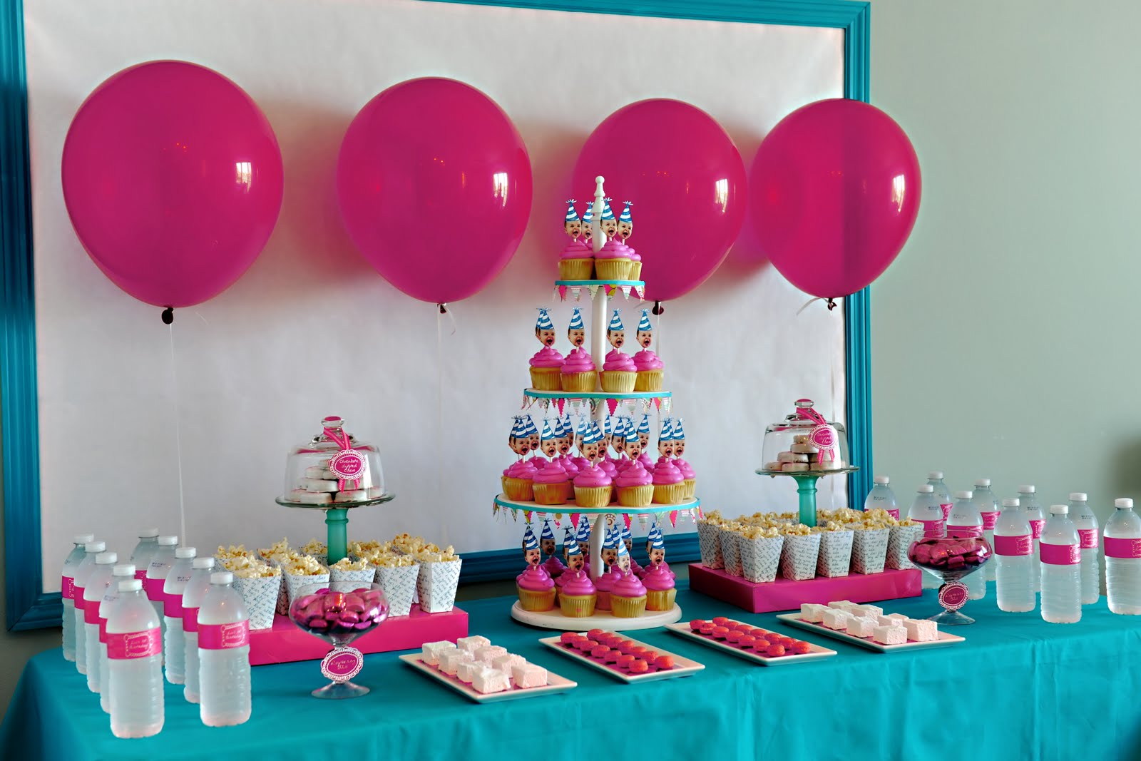 Birthday table decorations for girls - Friday S Fabulous Five Fetes Girly First Birthday Parties