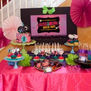 {Real} Dance Party – Kaylee and Mikenna Rock Out!