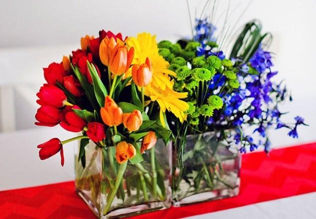 decor-floral-centerpiece-primary-colors
