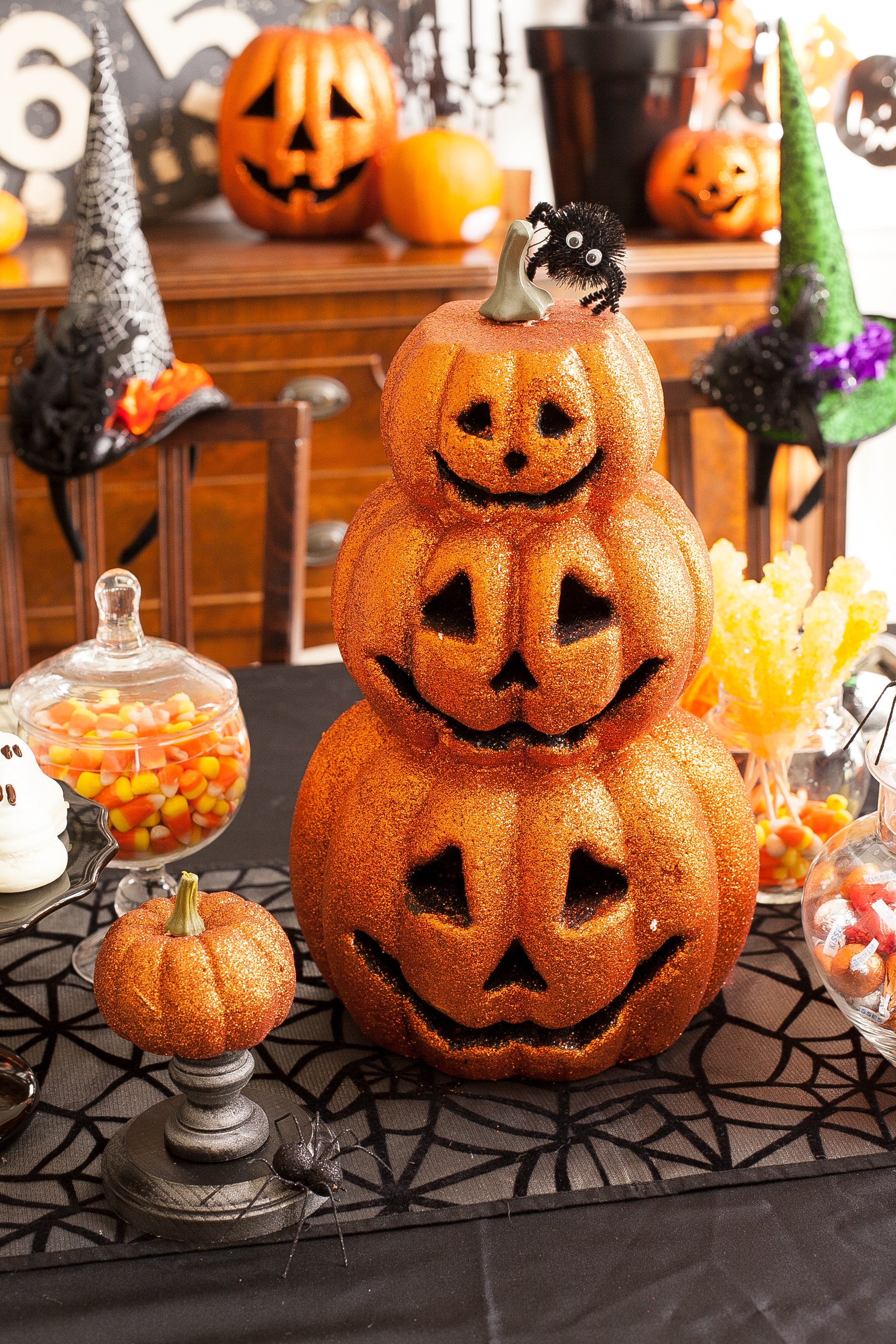 Crafty Halloween Playdate: Spooky Necklaces and Creepy Crawly JELL-O JIGGLERS