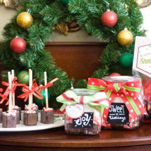 Handmade Holiday – DIY Neighbor Gifts
