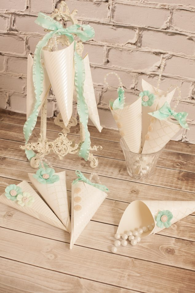 baby shower favor cone-10