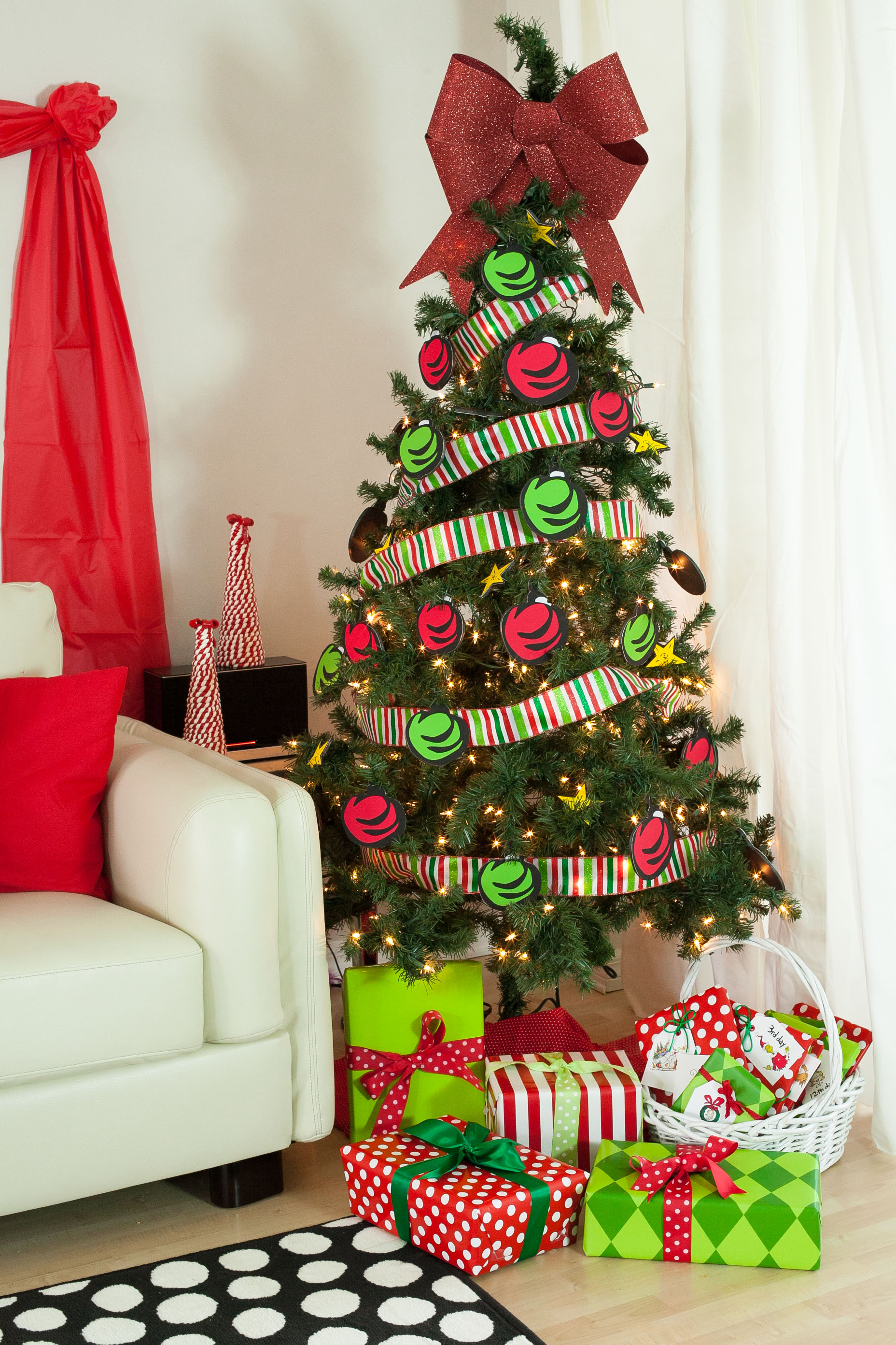 grinch that stole christmas ginchmas party 13 - How The Grinch Stole Christmas Decorating Ideas
