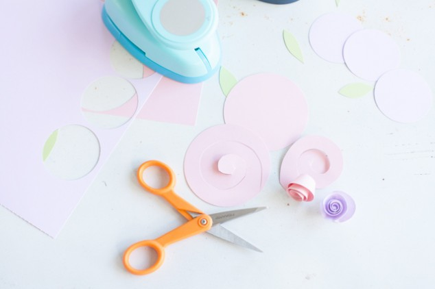 how to make-rolled-paper-flowers 1