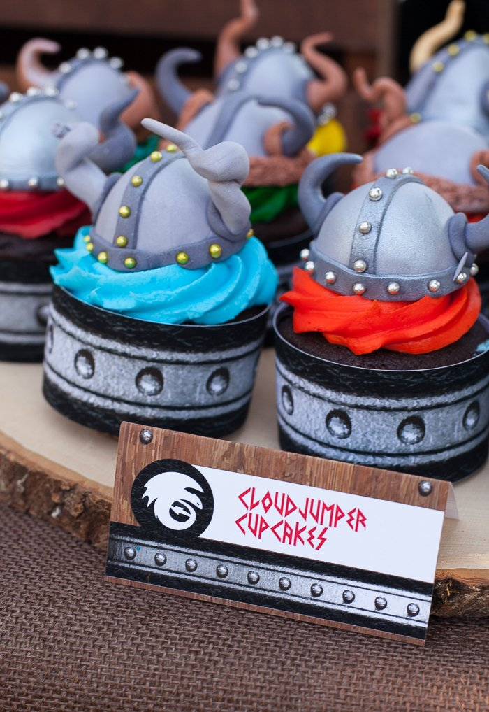 how to train your dragon party cupcakes