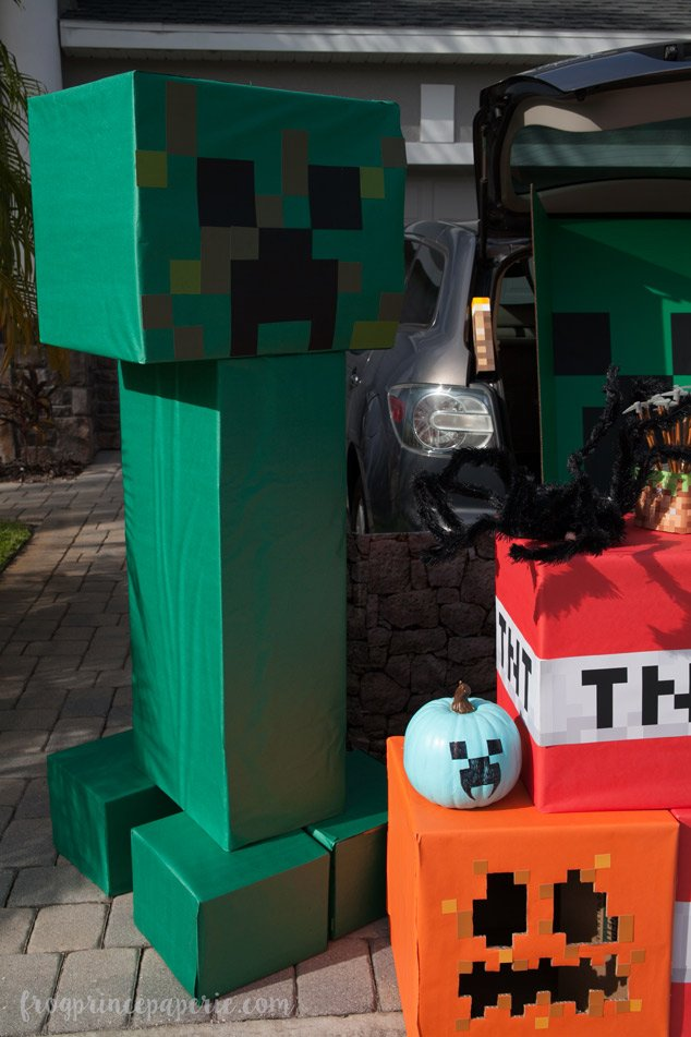 Trunk or treat ideas for your Minecraft fans! Beware of the Creepers!