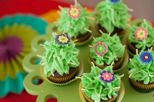 cinco de mayo kids party cactus cupcakes