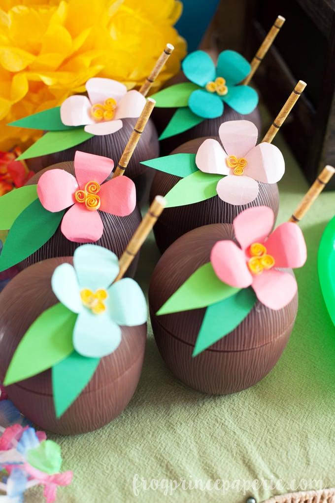 Luau Coconut Drink Cups – DIY Paper Luau Flowers