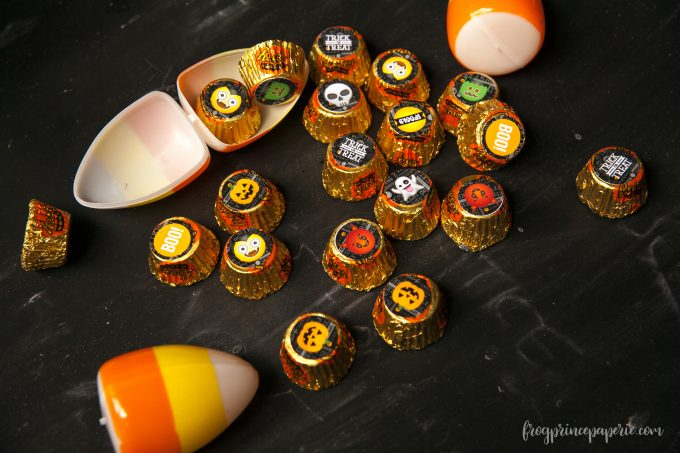 Emoji Halloween party ideas - reeses kisses
