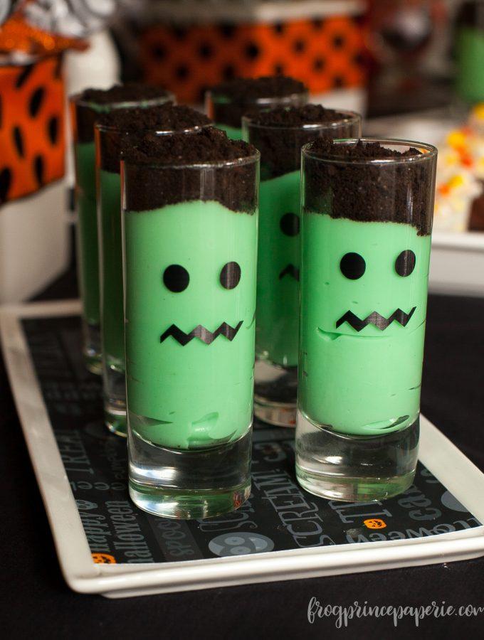 Emoji Halloween party ideas - it's frank!