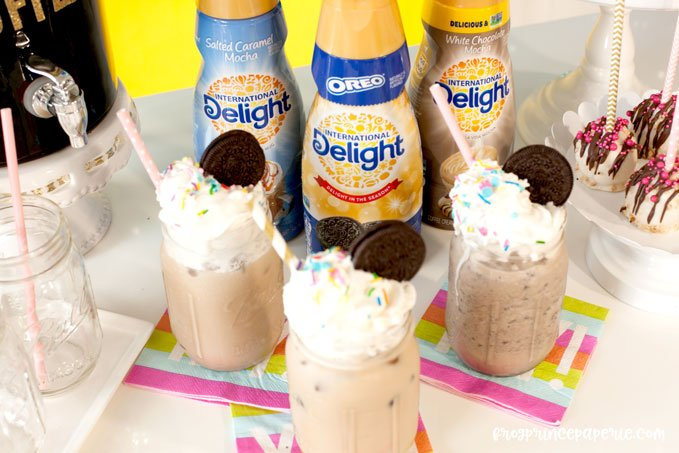 Iced coffee bar ideas for your next party--like frappes and OREOs!