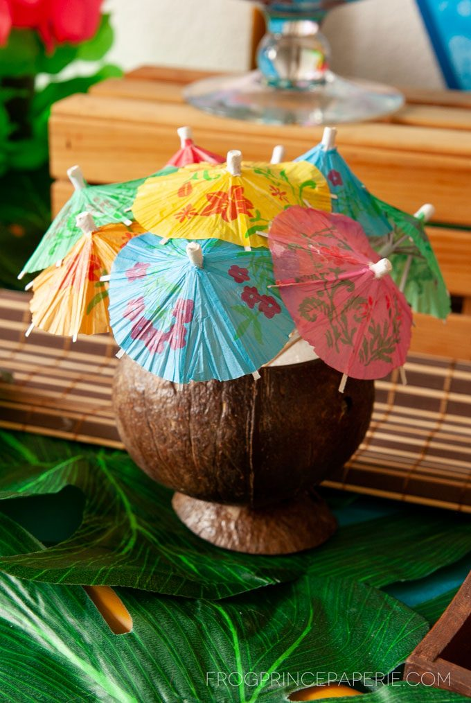 Easy luau party ideas for an easy tiki bar. Paper parasols for fruity drinks are a must!!