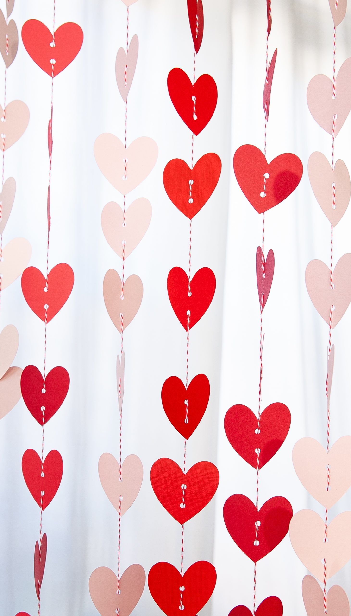 Easy Valentine Craft – Paper Heart Garland with Cricut