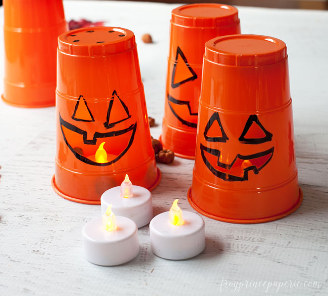 3-minute-Halloween-Luminaries-step-4