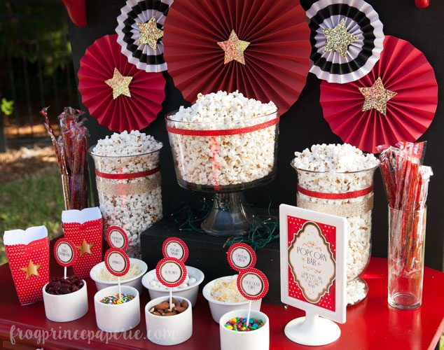 Make your own popcorn bar for your backyard movie party!