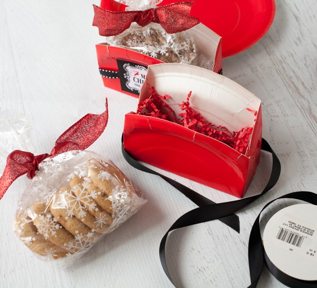 Need a few ideas on how to wrap up your cookies? Click for these great cookie exchange packaging ideas!