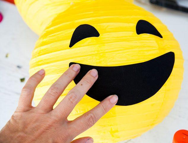 Emoji-lantern-tutorial-5