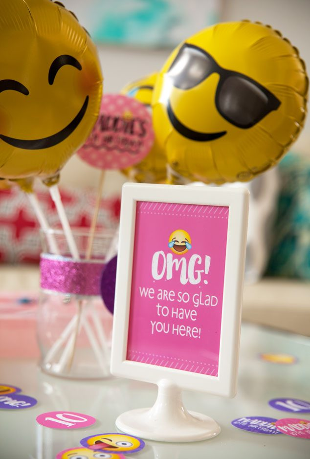 Emoji Party Balloon Centerpieces