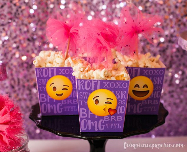 Emoji-party-popcorn-boxes