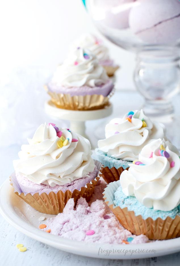 Fizzy-Cupcake-Bath-Bomb-Recipe-10