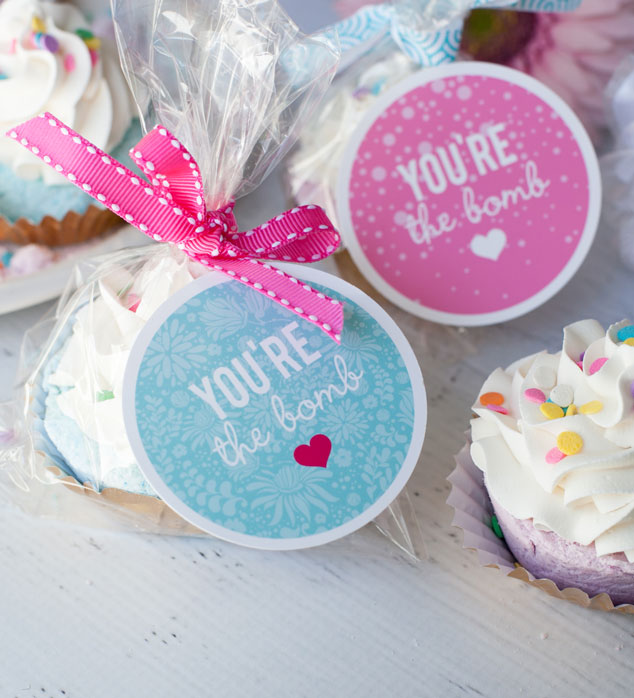 Fizzy-Cupcake-Bath-Bomb-Recipe-16