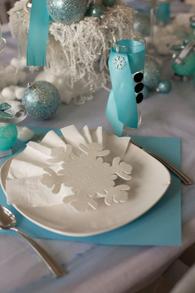 Frozen winter tablescape-4