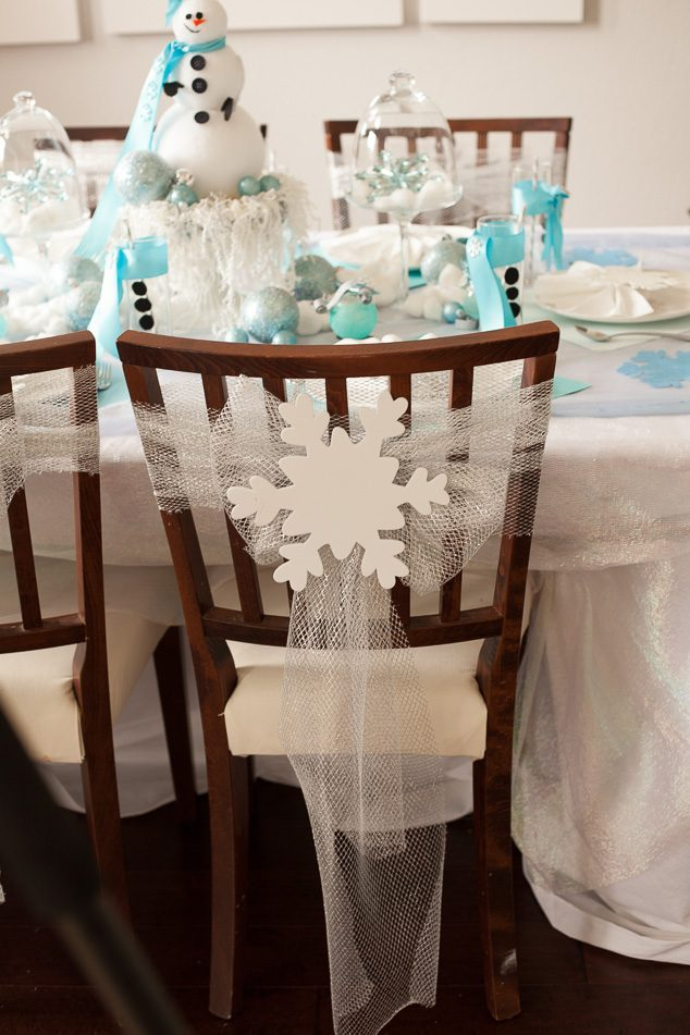Frozen winter tablescape-8