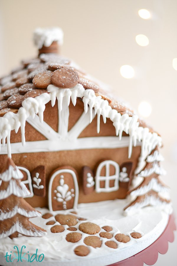 Gingerbread House Tutorial and How-To…From a PRO!