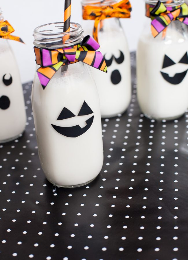 Delight your kids with quick to make Halloween glassware. Perfect for parties, or just to add a little extra special to dinnertime.