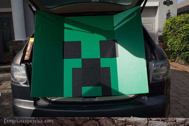 Trunk or treat ideas for your Minecraft fans! Build your own Creeper!