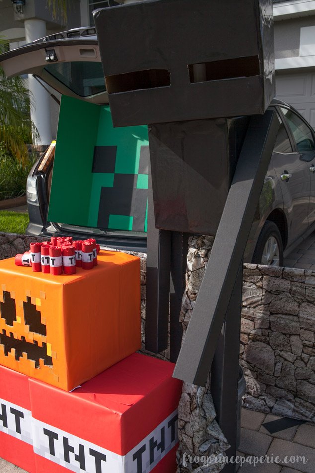 Trunk or treat ideas for your Minecraft fans! Lots of pixelated fun.