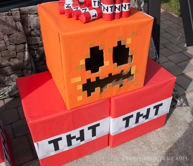 Trunk or treat ideas for your Minecraft fans! Boxes and wrapping paper make for easy decor.