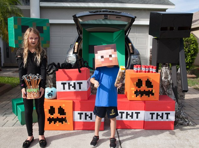 Trunk or treat ideas for your Minecraft fans! Watch out for the Endermen!