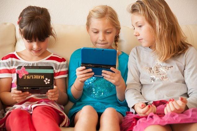 Nintendo 3DS XL Girl Gamer Party-16