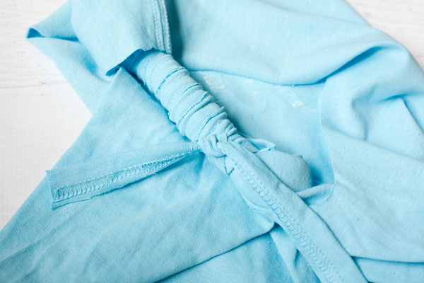No-sew-tshirt-upcycle-tie-back