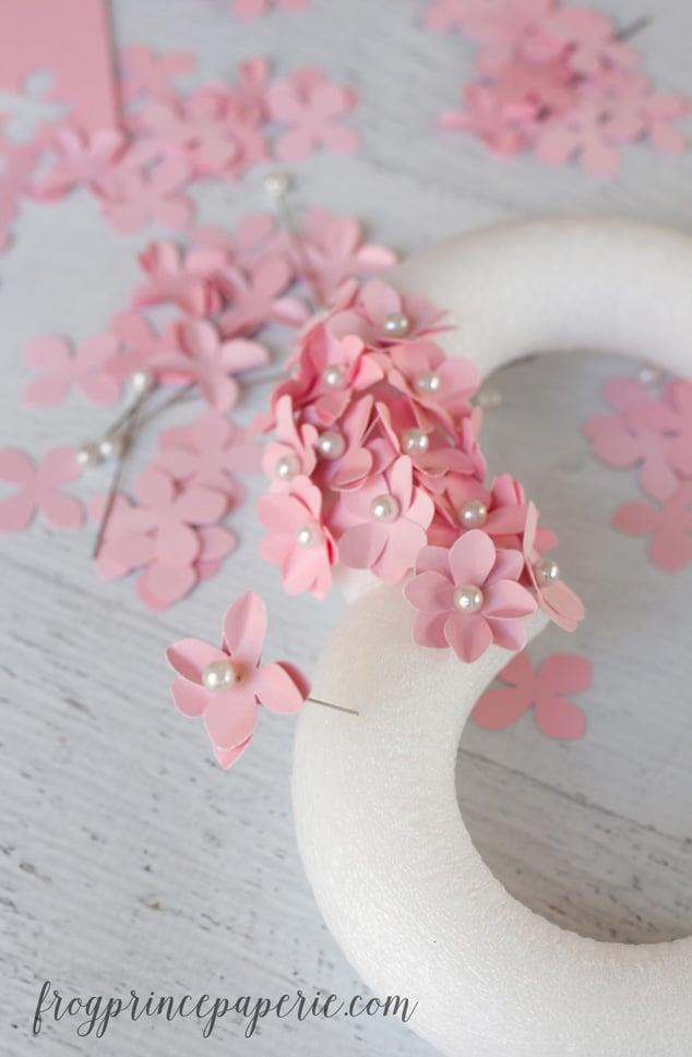 Make a Valentine DIY Heart wreath