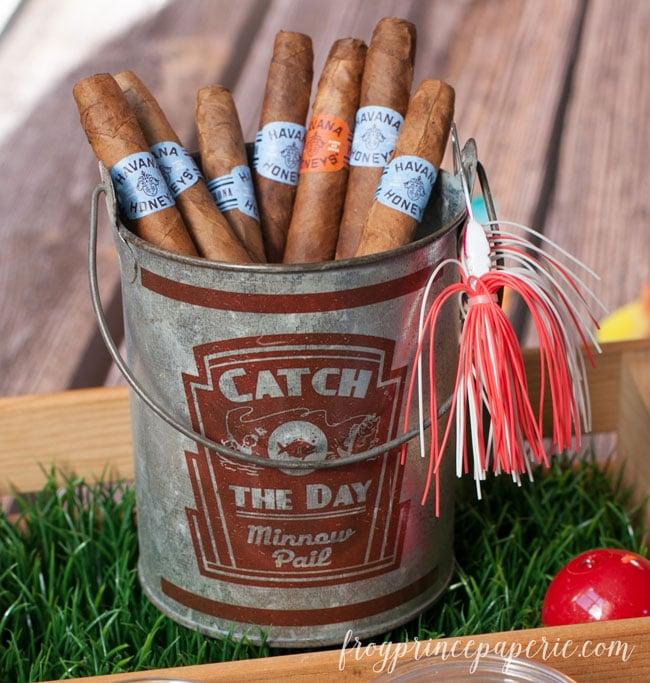 fishing-party-favors-cigar-bucket