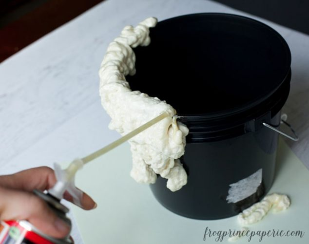 mad-science-candy-bucket-2