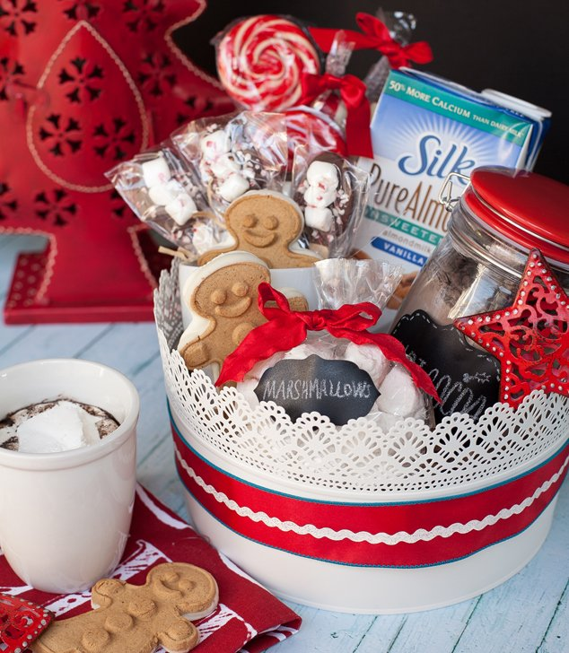 Create a christmas gift basket